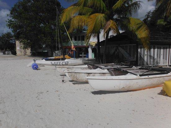 Starfish Jolly Beach Resort : les autres cata en réparation (c'est pas comme sur les photos des revue de voyage ! )