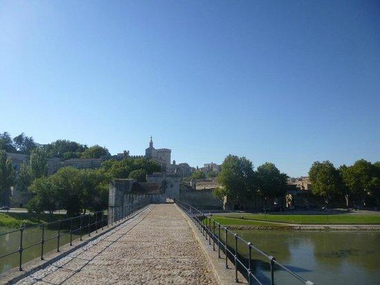 Pont Saint-Bénézet (Pont d'Avignon) : Sur Le Pont