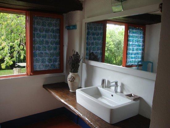 Agriturismo Valdichiascio: il nuovo bagno della camera riccio al piano terra