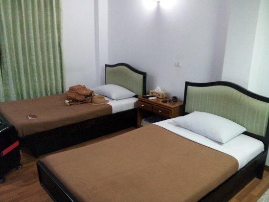 Yangon Yoma Hotel: 部屋