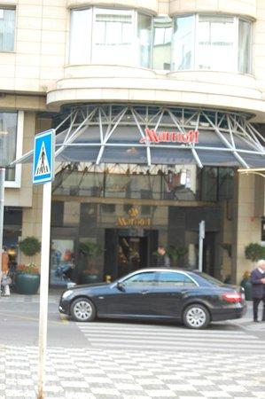 Prague Marriott Hotel: Вход