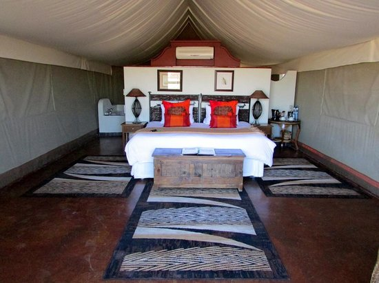 Springbok Lodge: inside the luxury tent (No 13)