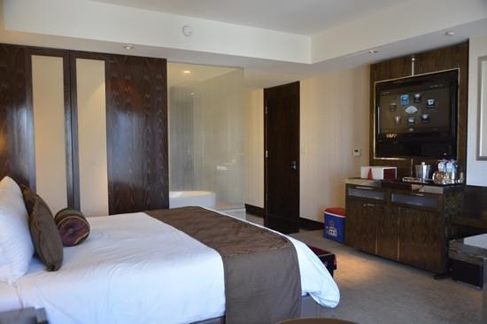 Mandarin Oriental, Las Vegas : chambre avec vue salle de bain