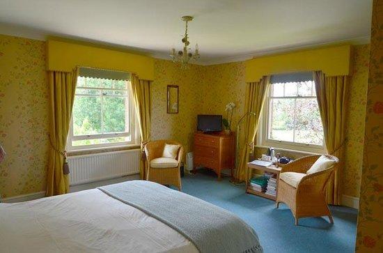 Long Lane Farmhouse: Bedroom 2