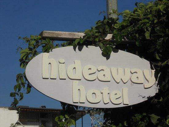 Hideaway Hotel: Hotel Entrance