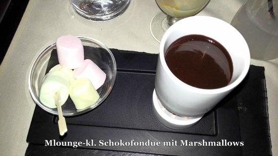 M Lounge: Schoko-Fondue mit Marshmallows