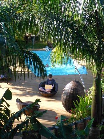 Rusty Pelican La Gaulette Apartments: Around the pool