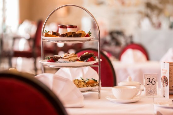 Slieve Donard Resort and Spa: Afternoon Tea