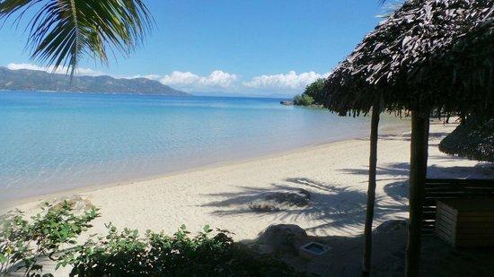 Tsara Komba Lodge : View from the beach