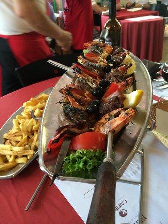 Pontault Combault, Γαλλία: Assiette mixte pour deux personnes.
