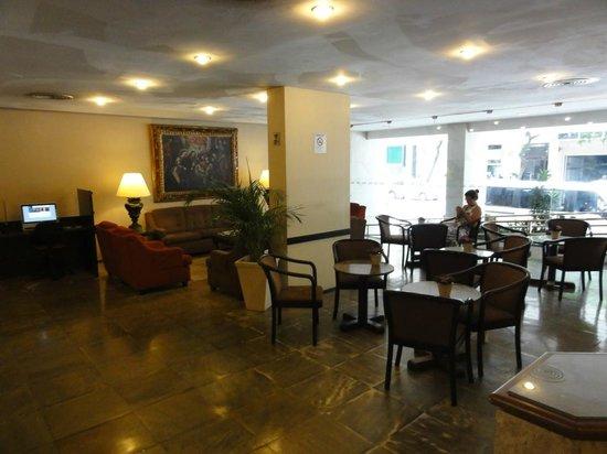 Hotel Savoy Othon: Hotel lobby