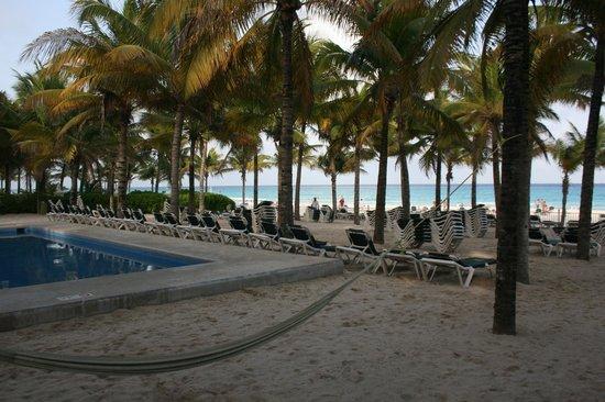 Hotel Riu Lupita : Zona de praia fantástica