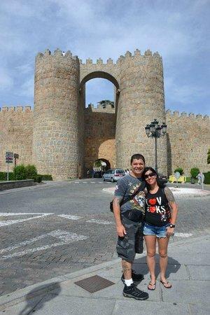 The Walls of Avila : vista de um dos portoes de entrada