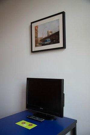 Hotel 103: Tv