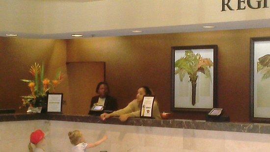 Rosen Inn at Pointe Orlando : Great staff at reception super smiles.