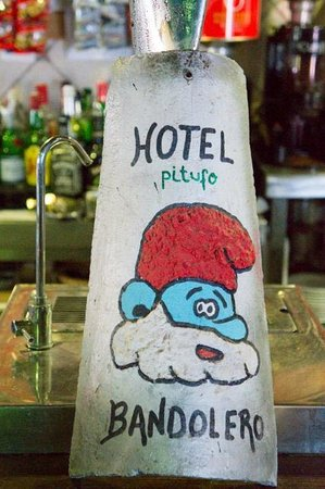 Hotel Bandolero: Cute painted roof tile in the bar