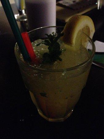 Vitality Hotel Punta: cocktail at the bar
