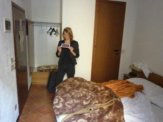 Hotel Rossi: La chambre 104