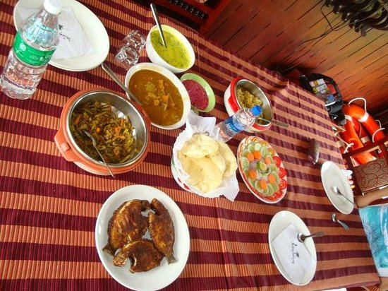 Kerala Backwaters: Food served on the boat