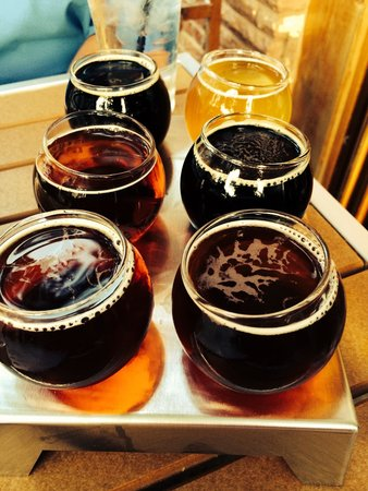 New Holland Brewing Company: Beer flight