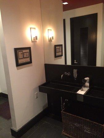 Colicchio & Sons Tap Room : Les toilettes