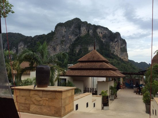 Aonang Cliff Beach Resort: View from the lounge area