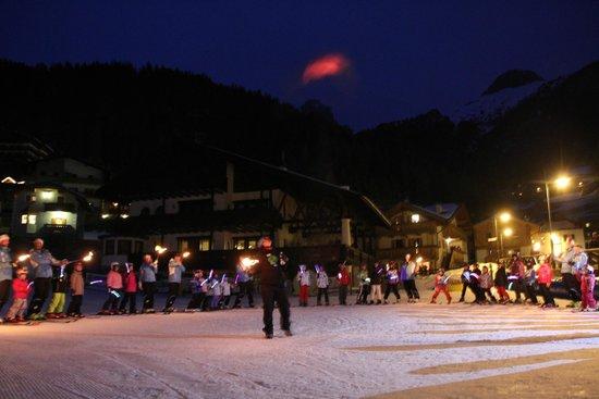 Scuola Italiana Sci e Snowboard Campitello: Fiaccolata con i bambini protagonisti
