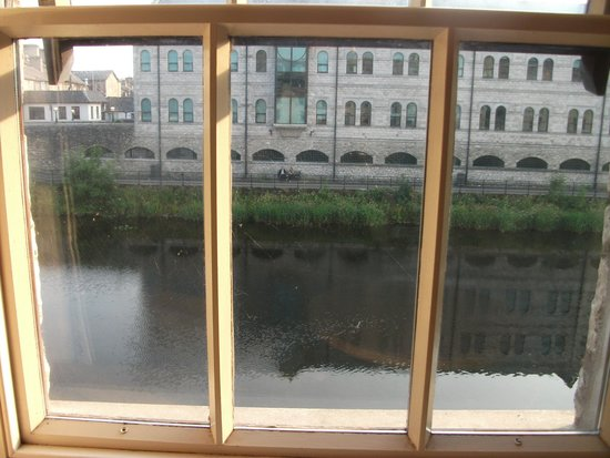 Riverside Hotel : View from room