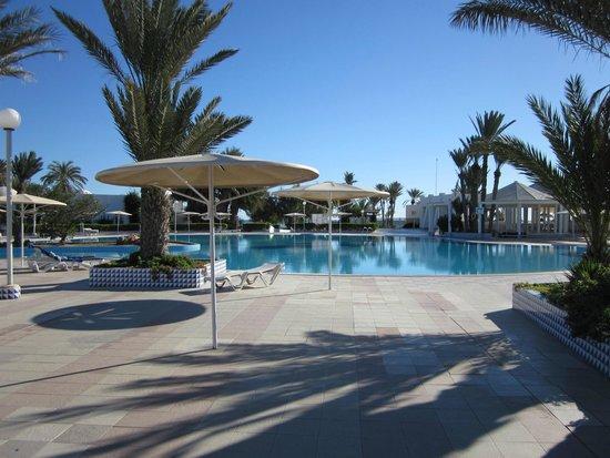 El Mouradi Djerba Menzel: une des très belles piscines