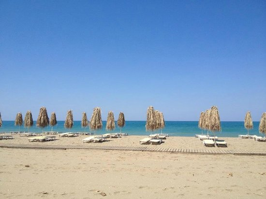 Family Life Caldera Beach by Atlantica: The hotel's beach