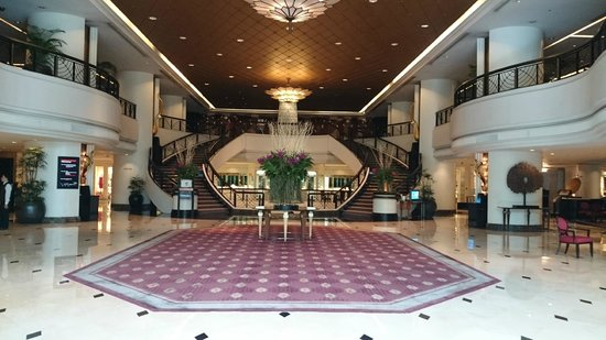 Plaza Athenee Bangkok, A Royal Meridien Hotel: Grand Floor