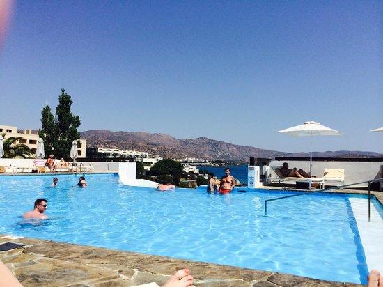 Tui Sensimar Elounda Village Resort & Spa by Aquila : Salt water swimming pool with great view