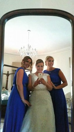 Fitzgerald's Vienna Woods Hotel: Selfies in the Bridal Suite!