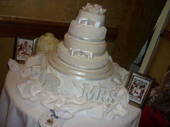 Fitzgerald's Vienna Woods Hotel : Cake Stand
