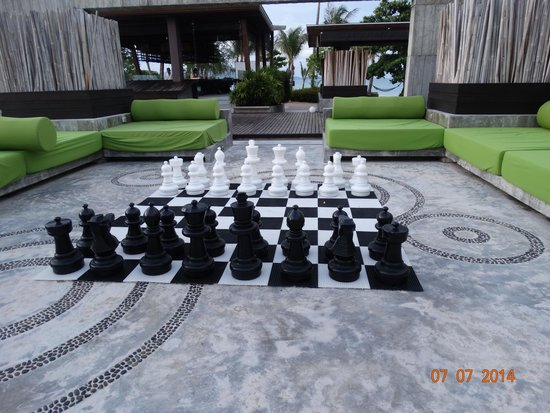 Koh Samui Resort : CHESS ANY ONE ?