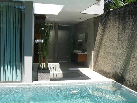 Ziva Villas: Bathroom