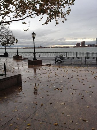 Hudson River Park: Rainy Day in October