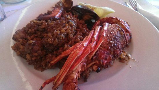Solimar: Highly recommending the paella