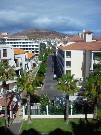 Spring Hotel Vulcano: looking right towards the mountains