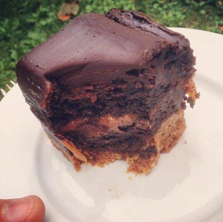 The Angel Coffee House: Amazing Chocolate Ganache-Shortbread-Flapjack Hybrid!