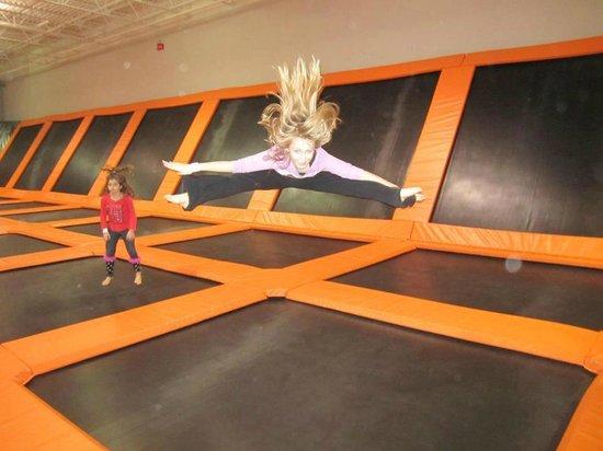 AirTime Trampoline & Game Park: Stretch up