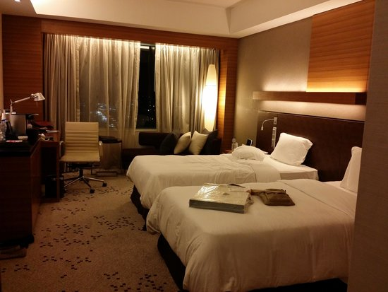 Radisson Blu Cebu: our room in business class. we had the one facing the SM parking lot and got lots of morning sun