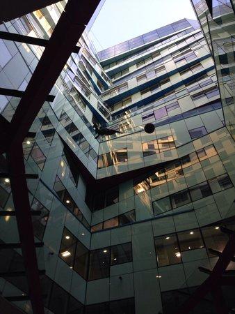 Hotel Indigo Birmingham: Inside that Cube
