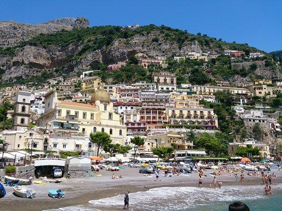 Amalfi Coast Destination Tours Company: 海側から