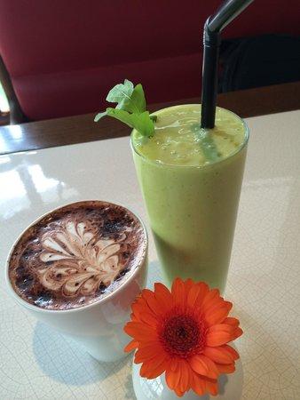 Coffeemania: refreshing drink