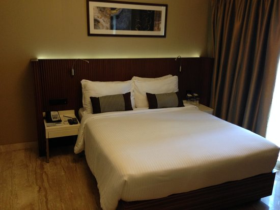 Residency Sarovar Portico: Bed