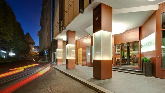 AMERON Hotel Flora Luzern Eingang