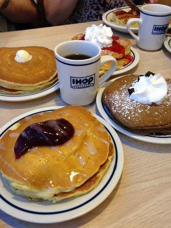IHOP: massive pancakes !