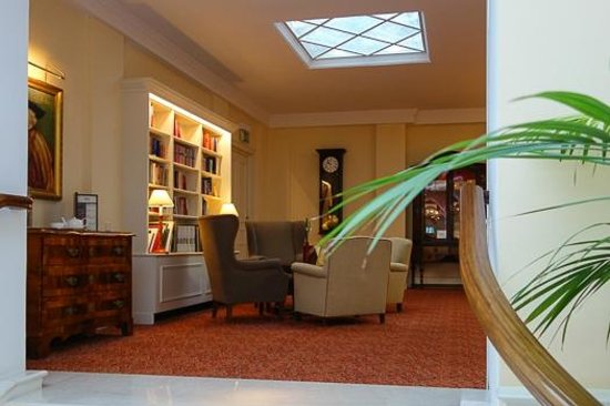 Best Western Premier Kaiserhof Wien: Bibliothek Bar