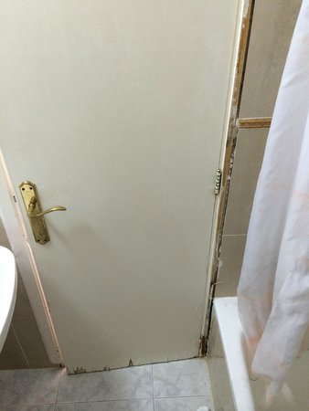 Hotel Pinomar : Badezimmertür